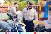 Siap Pengamanan Pilkades, Kasat Sabhara Polres Pangkep Cek Peralatan Hingga Kendaraan Personel