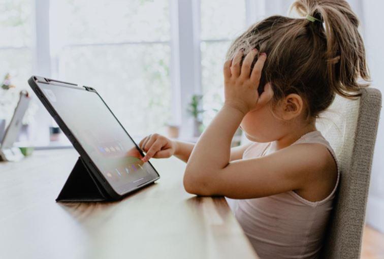 Lindungi Anak dari Aplikasi Berbahaya Saat Online dengan 5 Langkah Ini