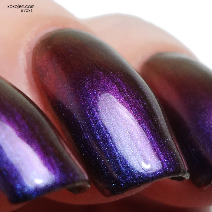 xoxoJen's swatch of KBShimmer Lights Out