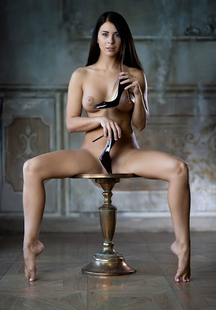 Uncensored nude art poses of attrartive woman with dark long hair and groovy perky tits pic 2
