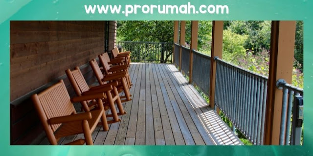 Teras Rumah Dengan Nuansa Natural
