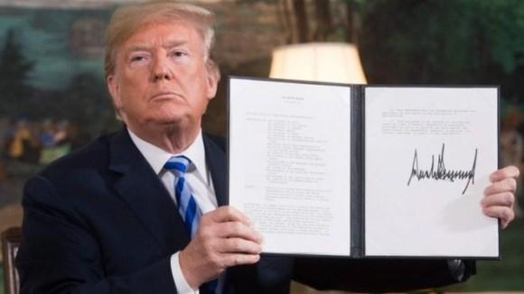 Đòn mới của Trump: Đuổi thẳng dân Trung Quốc khỏi nước Mỹ