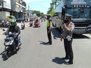 Antisipasi Kemacetan Depan Kantor KPU Gowa, Satlantas Gelar Pengaturan Arus Lalin