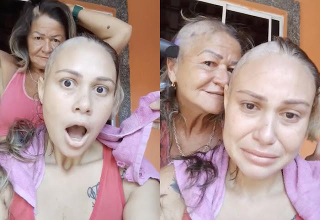 Больная раком дочь расплакалась, увидев, как мама побрилась налысо вместе с ней — трогательное видео
