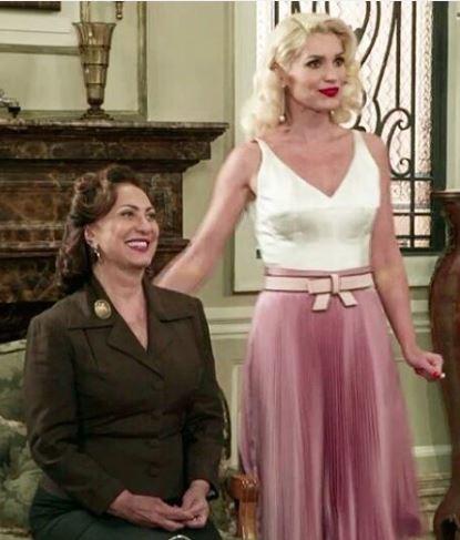 Figurino Sandra (Flavia Alessandra)  Eta Mundo Bom vestido rosa e branco