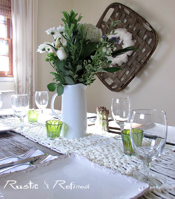 White table setting idea to entertain guests.