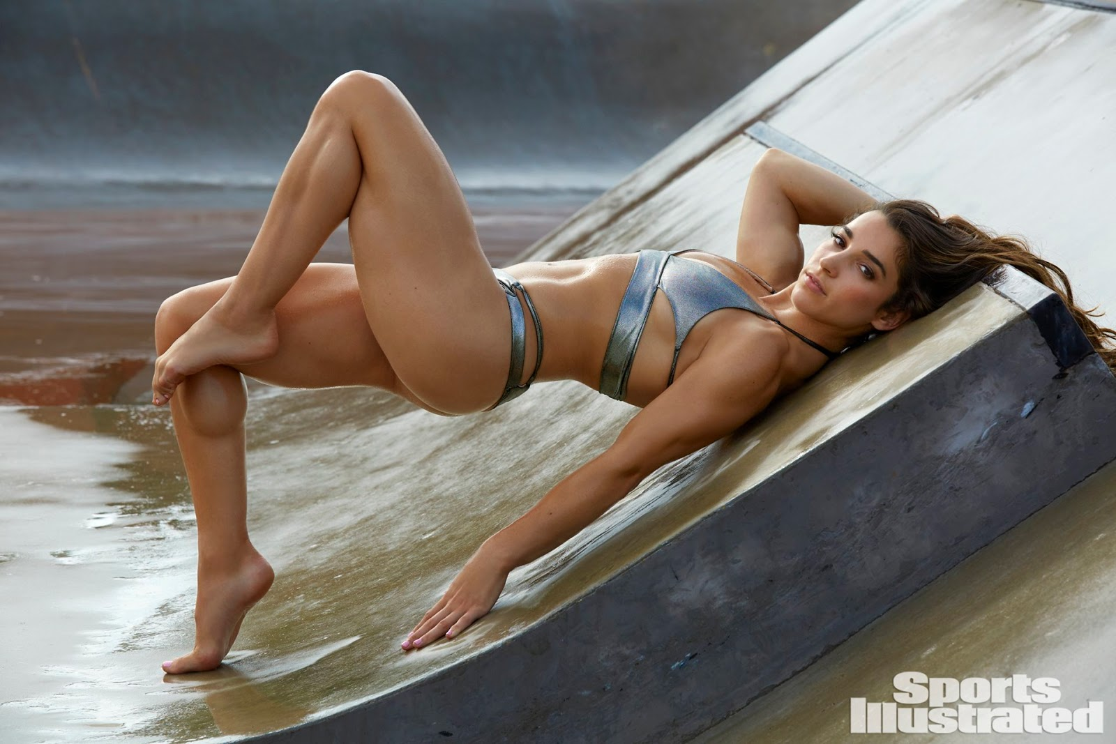 Aly Raisman Poses Nude for 2018 Sports Illustrated Swimsuit