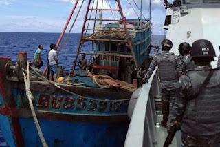 Terulang Kembali! Kapal Berbendera Vietnam Ditangkap di Perairan Natuna Usai Ketauan Lakukan Penangkapan Ilegal