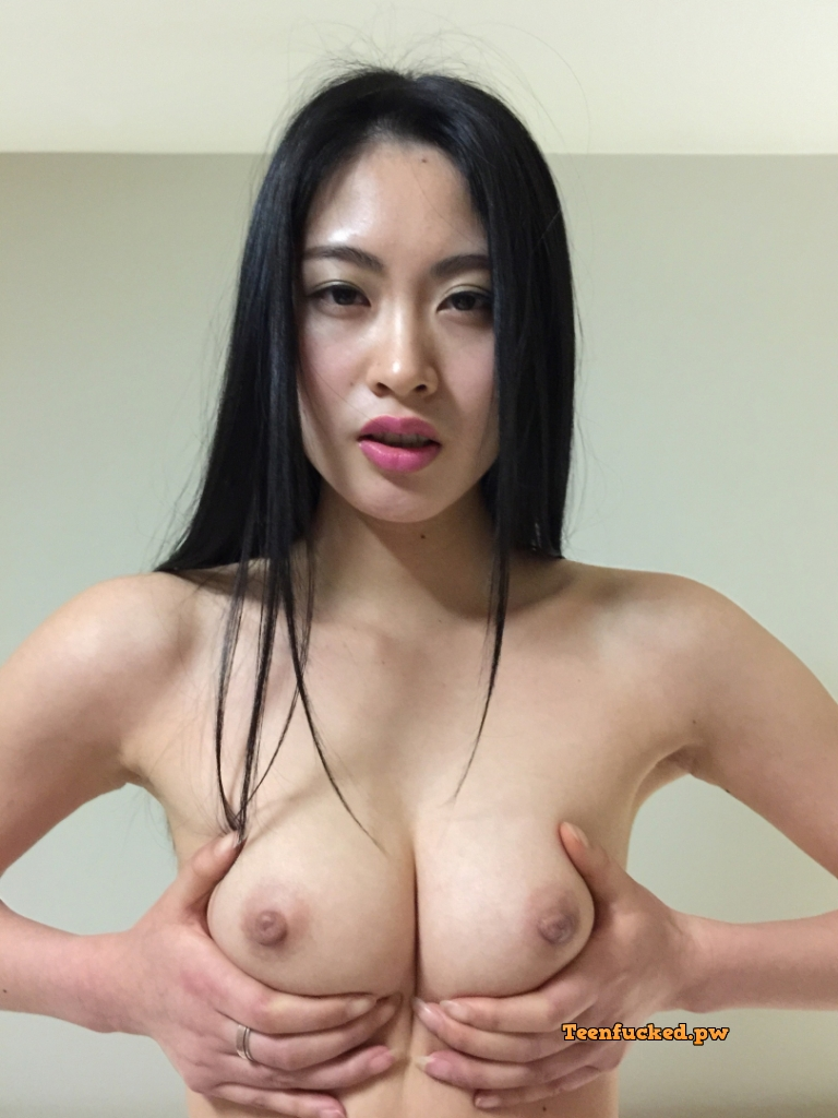 udAFvomnTNk wm - Beautiful asian girl with nude photos before sex 2020