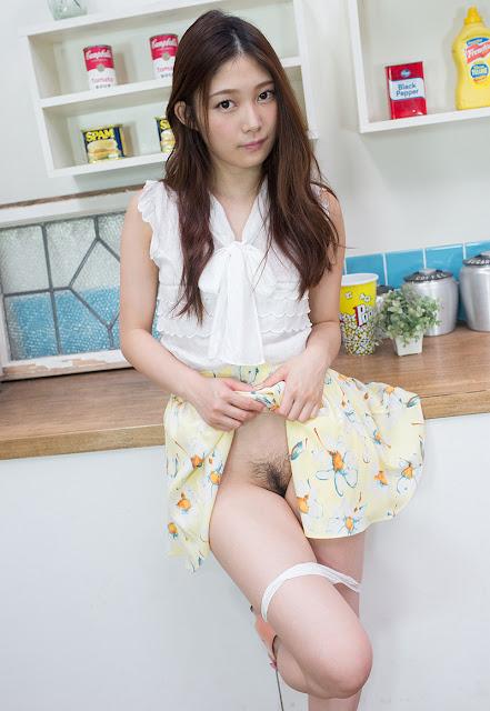 Kasumi Haruka 香澄はるか Photos