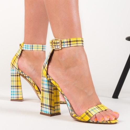 Sandale galbene in caruouri pentru zi sau office