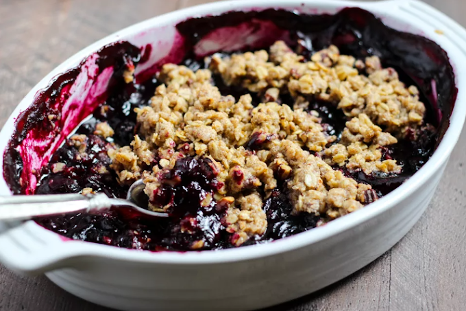Simple Oat & Pecan Blueberry Crisp #dessert #recipes