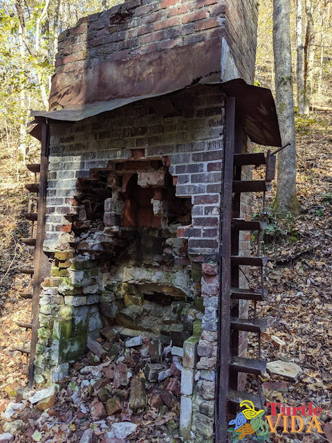 Ruins along the Stillhouse Hollow Falls trail in Tennessee