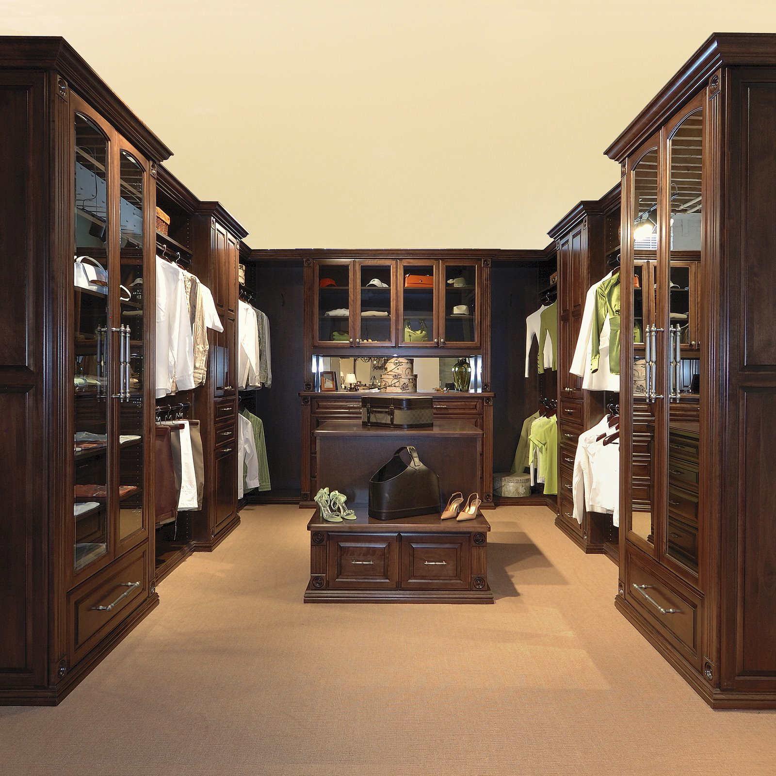 Malka in the closet custom gorgeous closets - Pictures of walk in closets ...