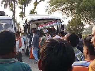 आमने-सामने टकराई भवानी बस सर्विसेज की दो बस , दर्जनों यात्री घायल