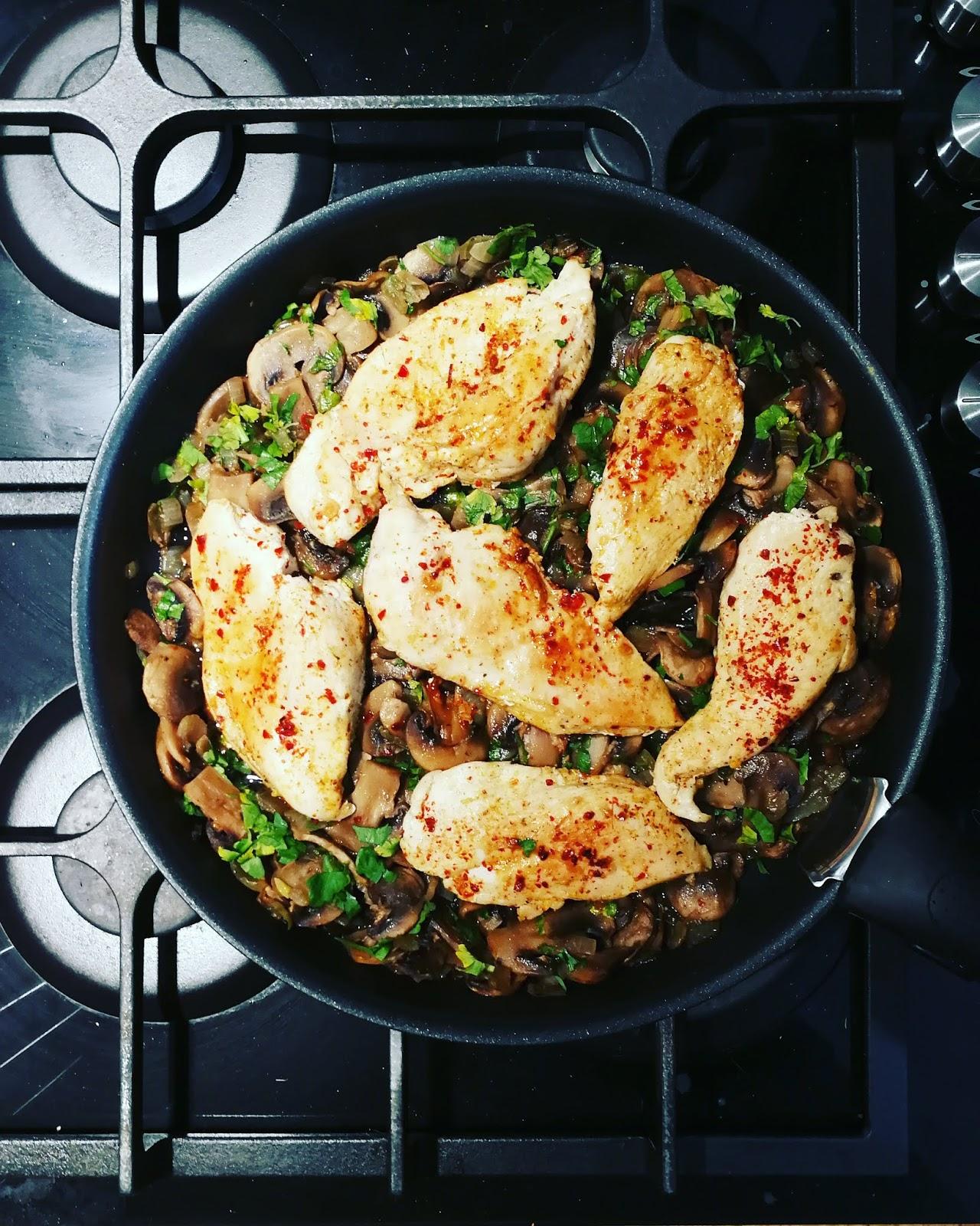 Kurczak z pieczarkami