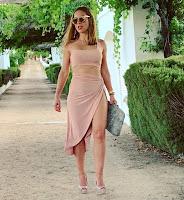Vestido e pernas de Joana Amaral Dias