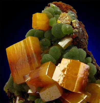 Wulfenite and mimetite - Ojuela Mine - Know About Minerals
