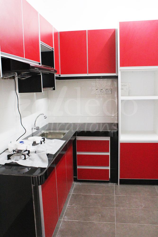 Kabinet Dapur Warna Merah Hitam