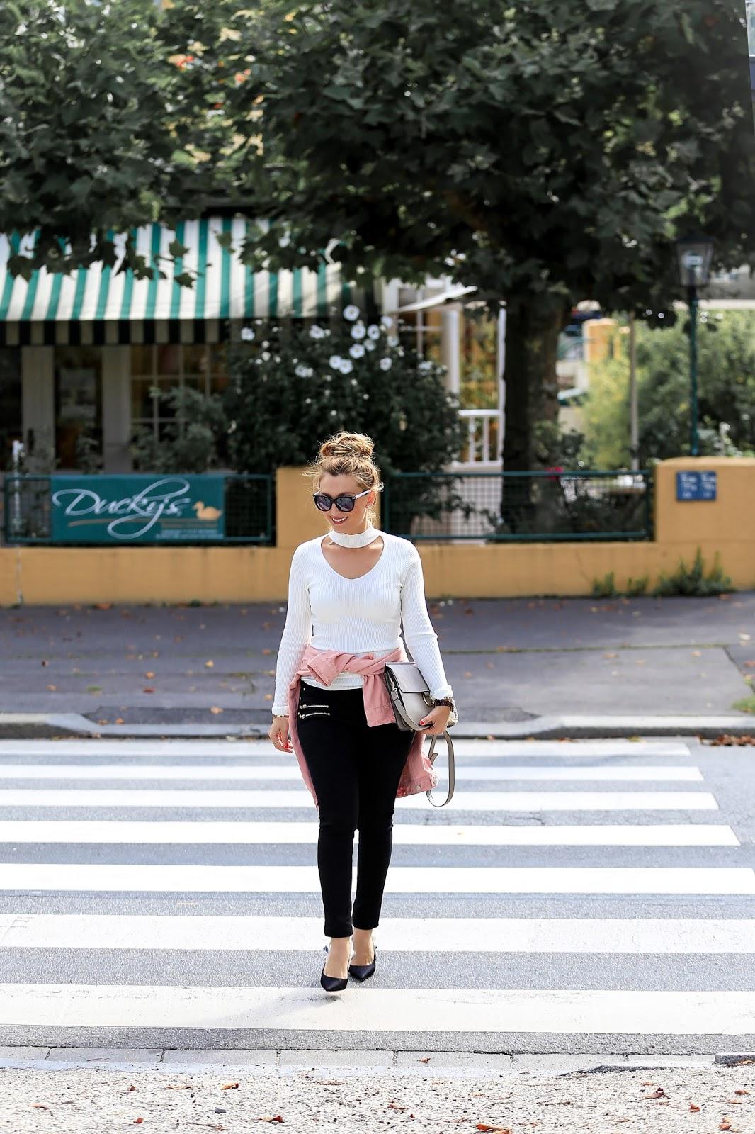 Fashionstylebyjohanna-Winterstyle-Frühlingslook-Fashionblogger-aus-frankfurt-bloggerstyle-weißer-pullover-Jadior-pumps-pumps-von-christian-dior-celine-lookalike-chloe-tasche-blogger-haarstyle-hochsteckfrisur