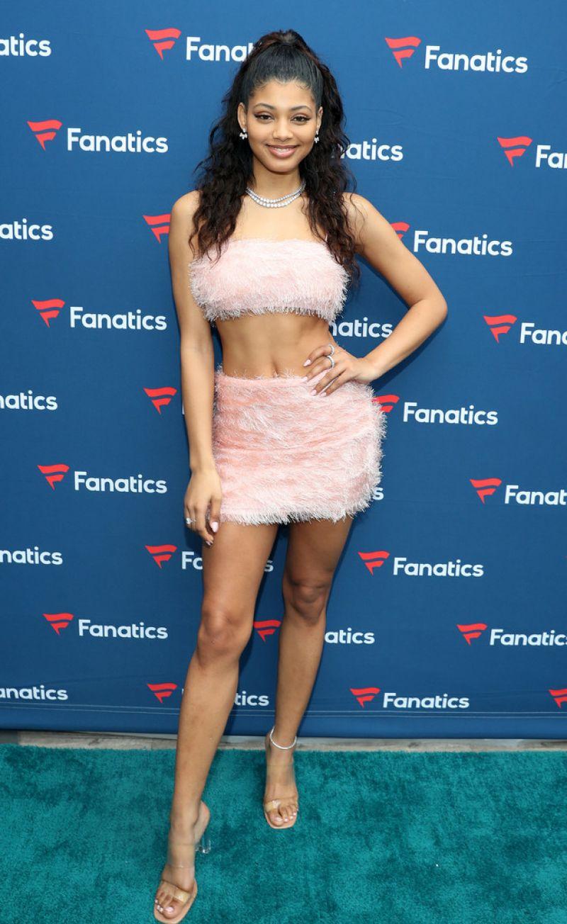 Danielle Herrington Clicks at Michael Rubin's Fanatics Super Bowl Party in Miami Beach 1 Feb 2020