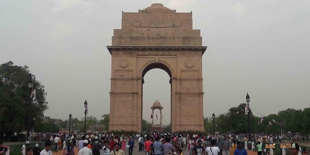 INDIA-GATE-DELHI