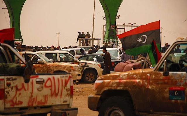 Guardian: 2.000 Σύροι μαχητές στη Λιβύη μέσω Τουρκίας