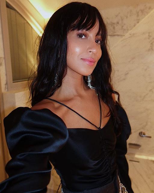 Julie Sariñana Photos