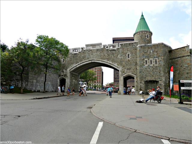 Puerta de San Juan en la Ciudad de Quebec