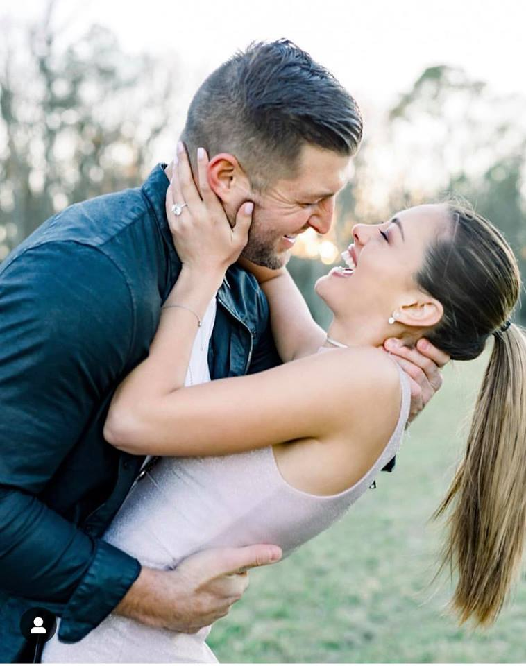 Critical Beauty Former Miss Universe Demi Leigh Nel Peters Is Engaged
