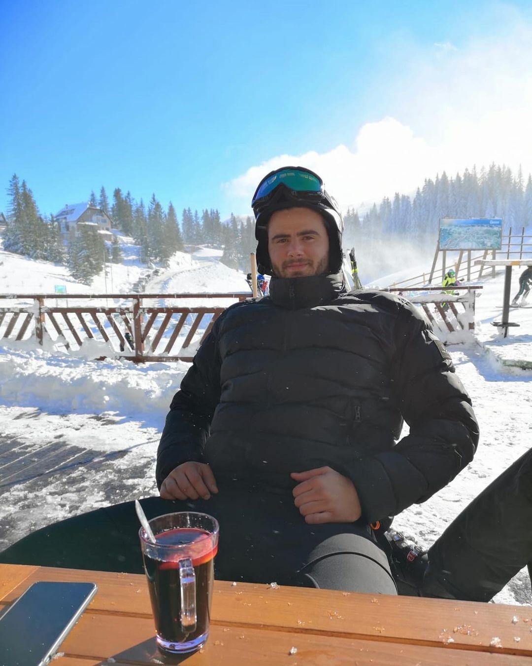 menikmati winter cafe jahorina bosnia herzegovina