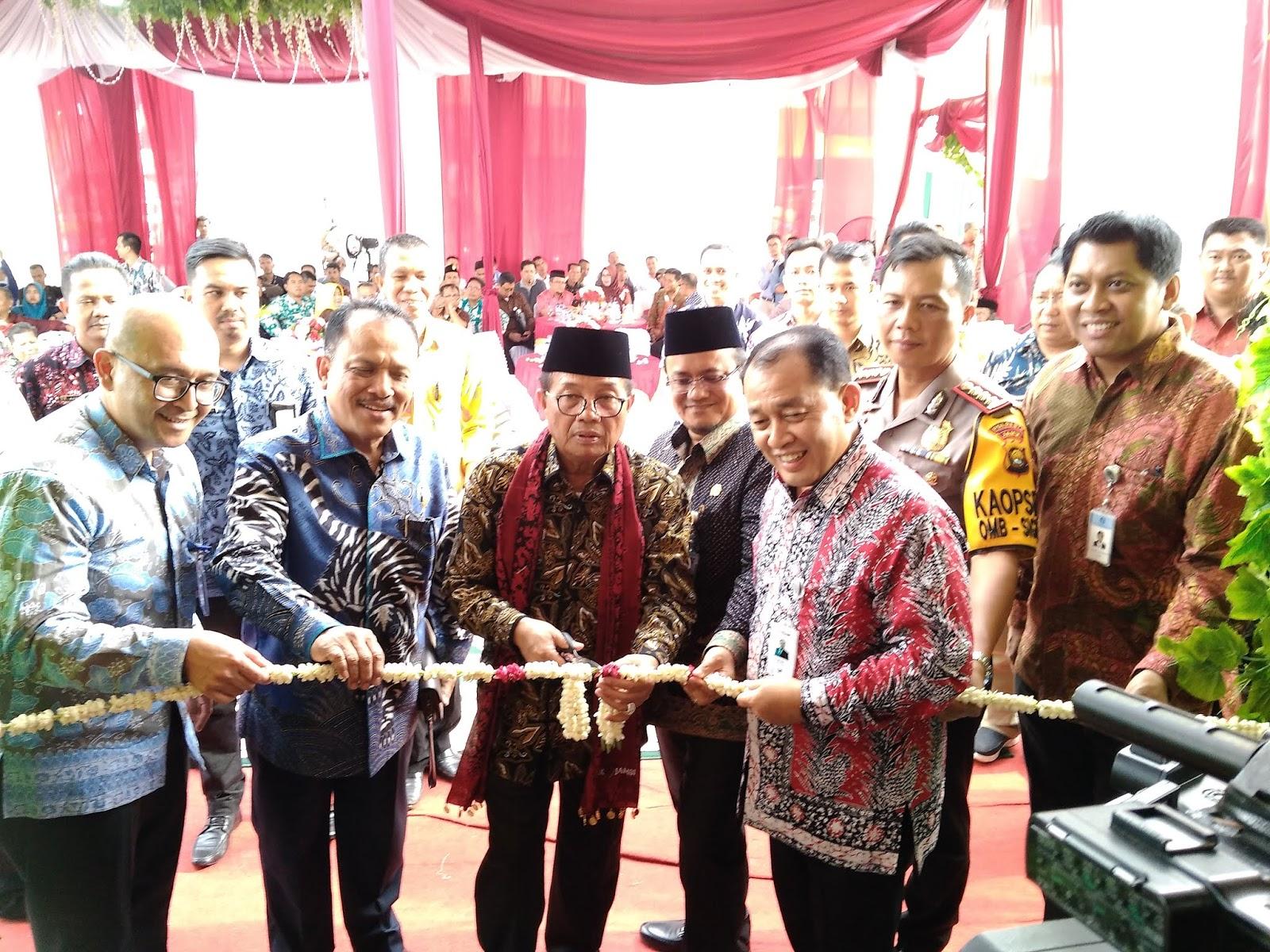 Plt Gubernur Jambi Meresmikan KCP Bank Jambi Pasar Angso Duo.