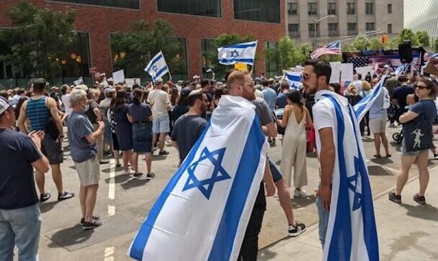 Movimento pró-Israel reúne centenas de pessoas nas ruas de Nova York