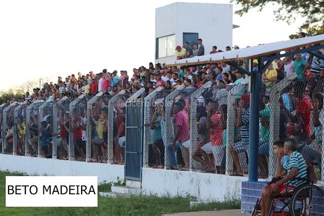 RAIO-X: Números atualizados da Copa Cidade de Elesbão Veloso após Moto Táxi 3 x 0 Santa Clara e Piçarra 4 x 1 Trintões pelas quartas de finais. Confira!