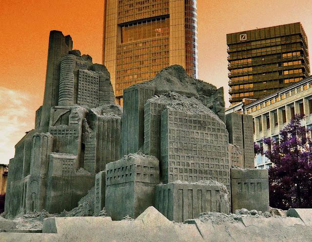 Sand Sculpture Festival in Frankfurt, Germany. (Photo by Gunter)