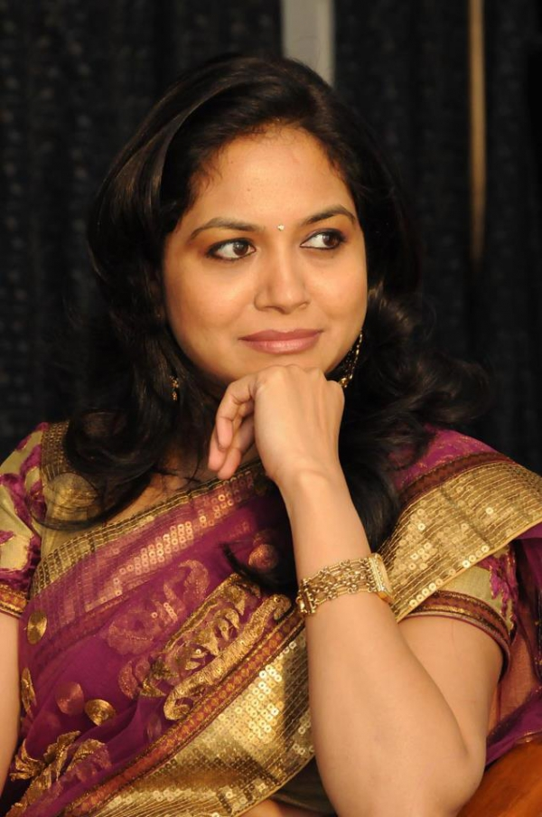 Singer Sunitha Latest Photos Collections In Saree