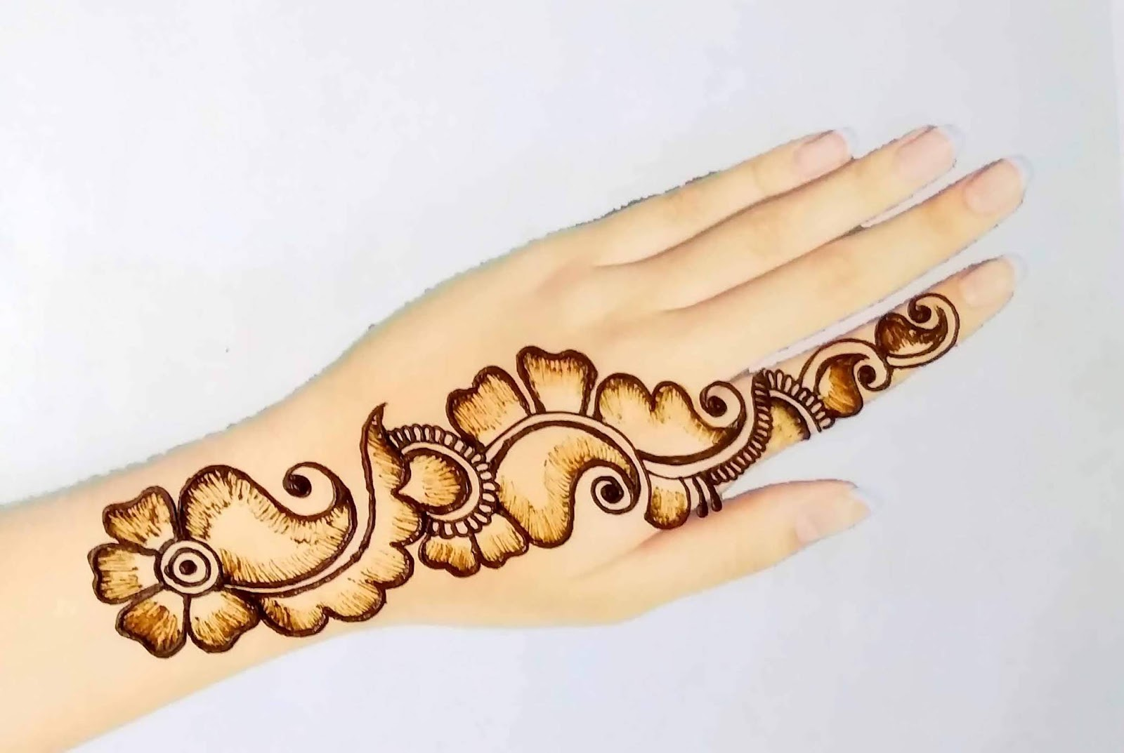 Beautiful Simple Mehndi Design