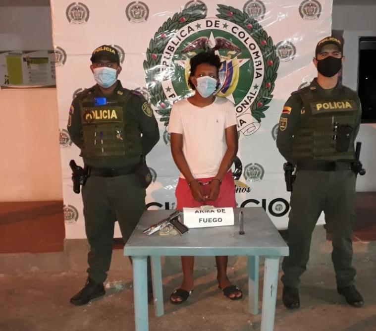 hoyennoticia.com, En Maicao sorprenden a un adulto y a un adolescente armados ilegalmente
