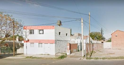 VENDO CASA DENTRO DE PEQUEÑO COMPLEJO, EN INMEDIACIONES DE AV. ALEM AL NORTE Y AV. CIRCUNVALACION, EN CAPITAL, SAN JUAN, ARGENTINA.