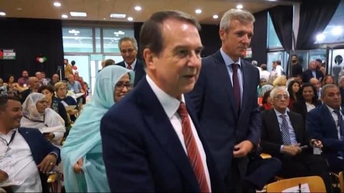 """عمدة """"ڤيغو"""" يؤكد إستعداد مجلس المدينة توفير منح جامعية للطلبة الصحراويين."""