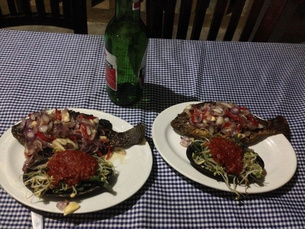 fish dinner in Tegalalang, Bali