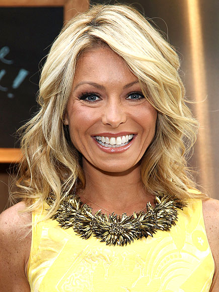 Damon Cool Picture Kelly Ripa Cuts Her Hair Beauty