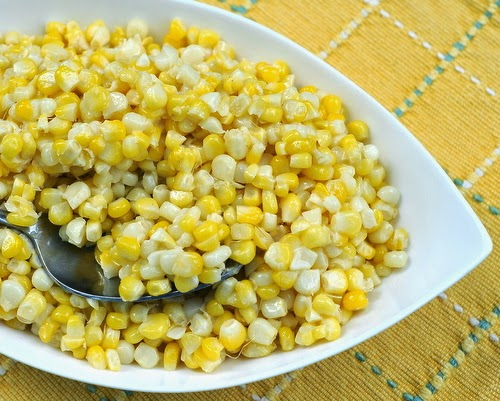 Fresh 'plain' sweet corn cooked in the microwave, the results are hardly 'plain'. So easy, so summery.