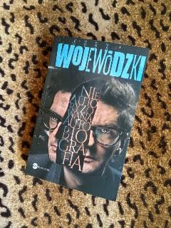 """""""Kuba Wojewódzki. Nieautoryzowana autobiografia"""" Kuba Wojewódzki, fot. paratexterka ©"""