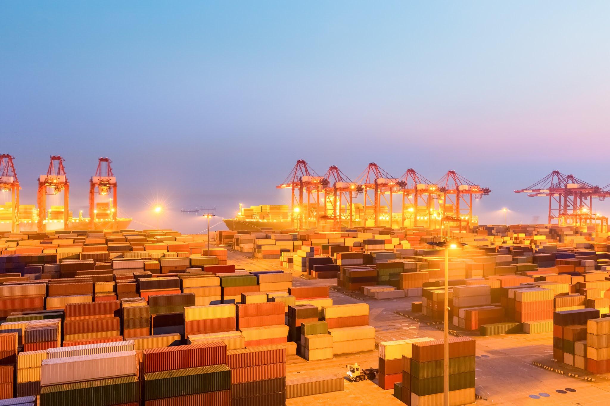 """شركة """"حديد الإمارات"""" تبدأ عمليات إعادة الشحن بالتعاون مع """"سفين"""""""