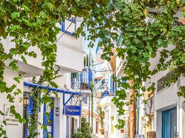 5 Greek Islands to Visit at Least Once