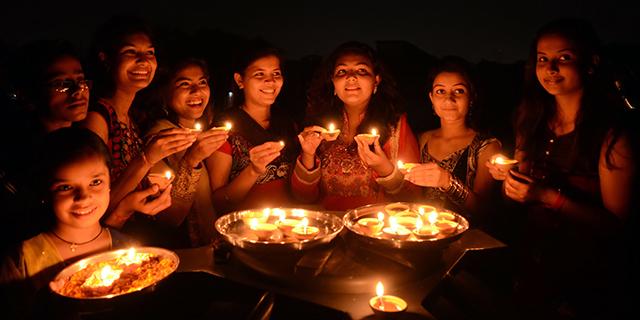 5 Fun Way Of Celebrating Diwali With Colleagues
