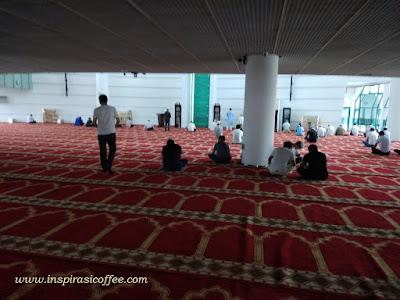 suasana di dalam masjid shenzhen