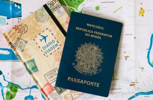 Seis em cada 10 jovens pensam em deixar o país para morar no exterior