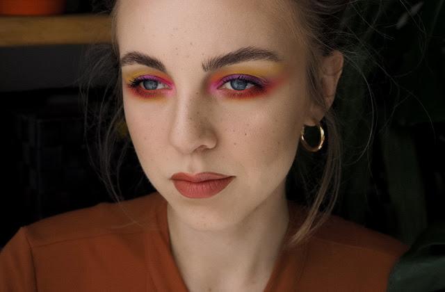 makijaż paletą morphie